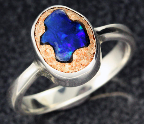 OPAL INLAYED IN TO SANDSTONE RING SIZE 7 [SOJ1106]