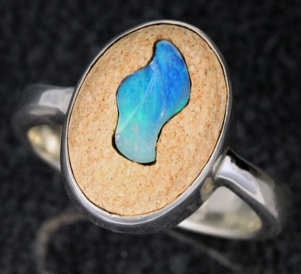 OPAL INLAYED IN TO SANDSTONE RING SIZE 8 [SOJ1111]