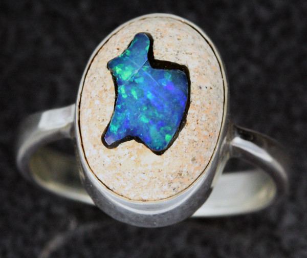 OPAL INLAYED IN TO SANDSTONE RING SIZE 8 [SOJ1113]