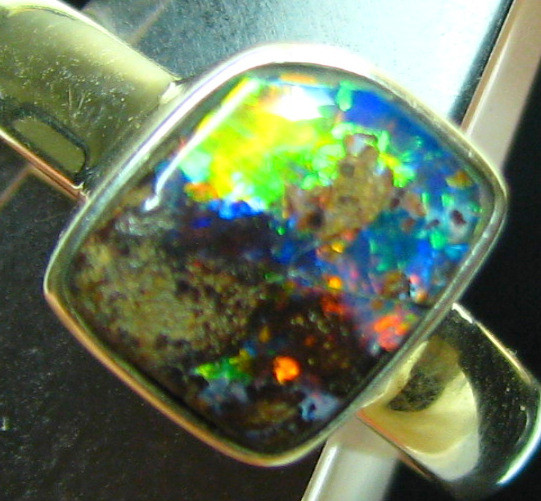 BOULDER RED OPAL STERLING SILVER STAMPED 925 RING SIZE USA 7 A8551