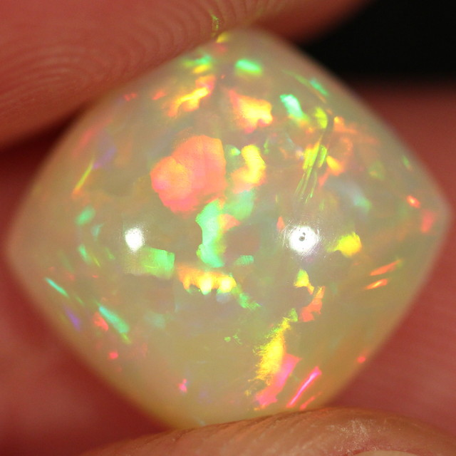 Cushion Cut Welo Opal. Stunning Chaff Pattern. 7cts