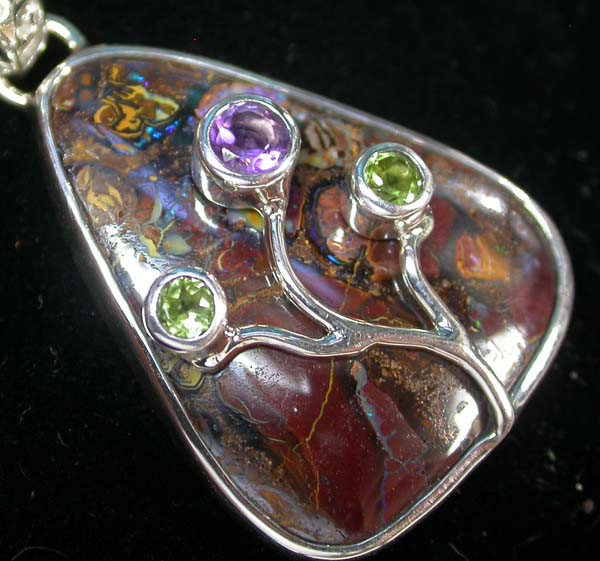 BOULDER PENDANT WITH TREE BRANCH GEMS - 38.75 CTS [SJ1157 ]