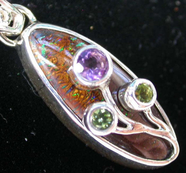 BOULDER PENDANT WITH TREE BRANCH GEMS  29.45 -CTS [SJ1160 ]