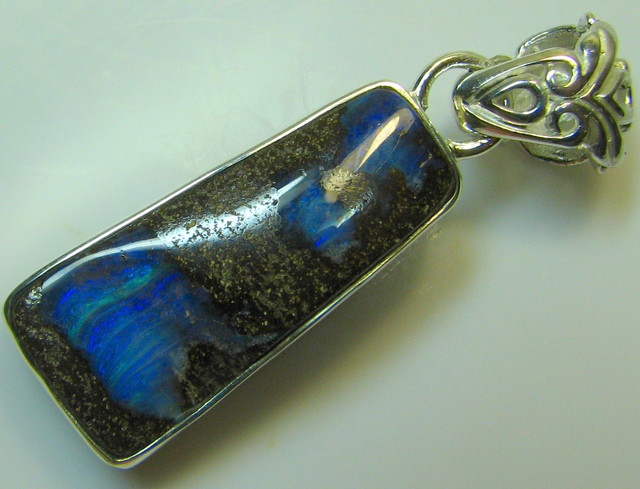 HAND MADE SILVER STAMP 925 BOULDER OPAL PENDANT 28.95 CTS A8741