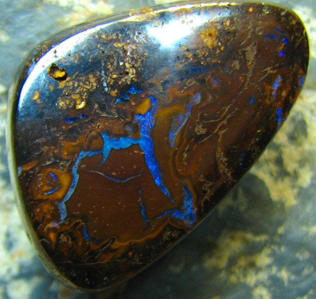 YOWAH OPAL GORGEOUS PATTERNS TOP POLISH STONE 19.75 CTS A8962