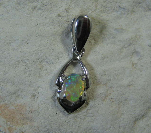 SOLID OPAL 925 SILVER PENDANT SSP/10