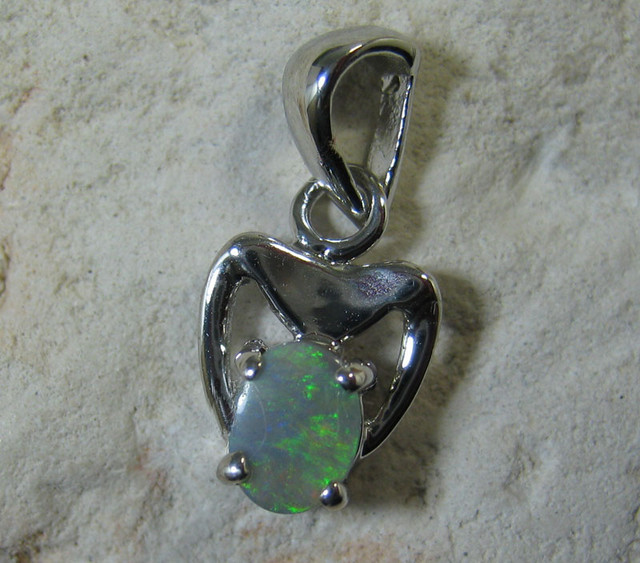 SOLID OPAL 925 SILVER PENDANT SSP/11