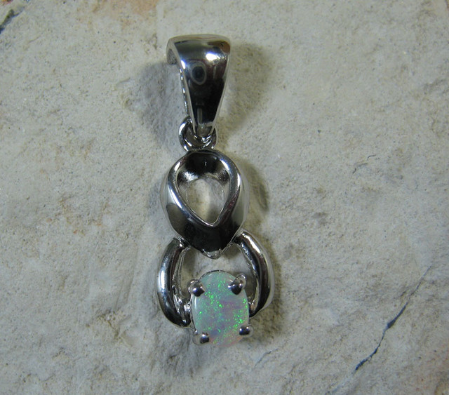 SOLID OPAL 925 SILVER PENDANT SSP/14