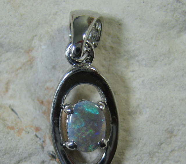SOLID OPAL 925 SILVER PENDANT SSP/39