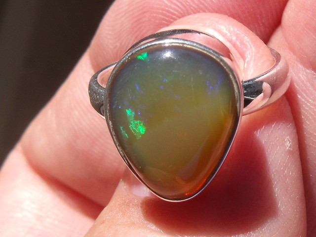 WELO OPAL GEM & SILVER FASHION RING Sz 6.25