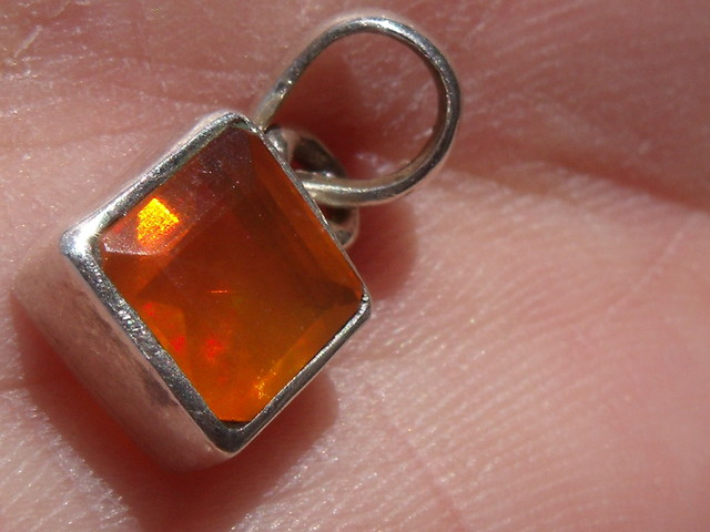 FACETED FIRE OPAL GEM & SILVER PENDANT JEWELRY P040