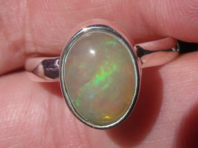 WELO OPAL GEM & SILVER FASHION RING Sz 9
