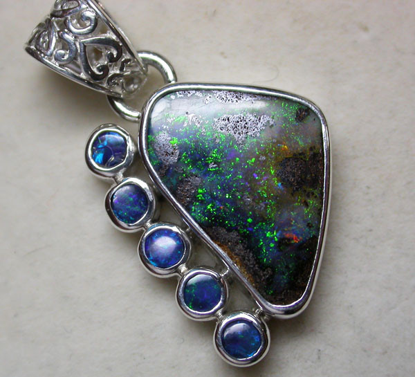 19 CTS BOULDER OPAL + DOUBLET -FACTORY DIRECT [SOJ1904 ]