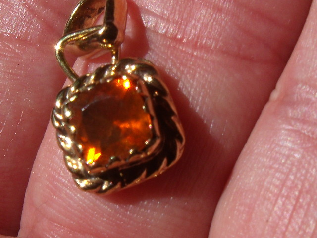 Mexican Cherry Opal Gem & Gold Plated Silver Pendant P047