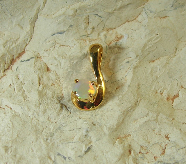 SOLID OPAL 925 SILVER GOLD PLATED PENDANT/SGJP9