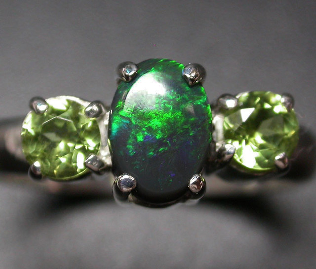 7 RING SIZE SOLID OPAL WITH PERIDOT FACTORY DIRECT [SOJ2050]SH