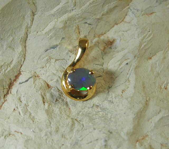 SOLID OPAL 925 SILVER GOLD PLATED PENDANT/SGJP16