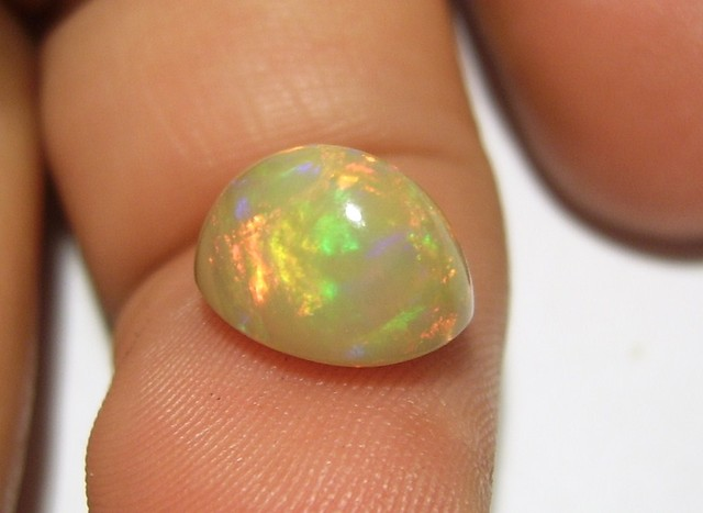 3.00ct MARVELLOUS BROWN ETHIOPIAN WELLO GEM OPAL BRIGHT RED GREEN FIRE (G13