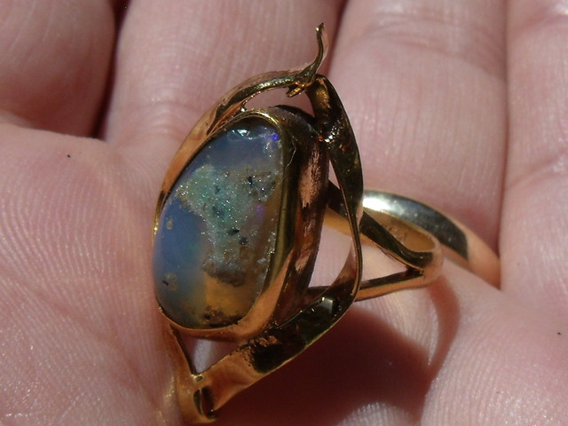 Welo Opal Gem & Gold Plated Ring SZ 6
