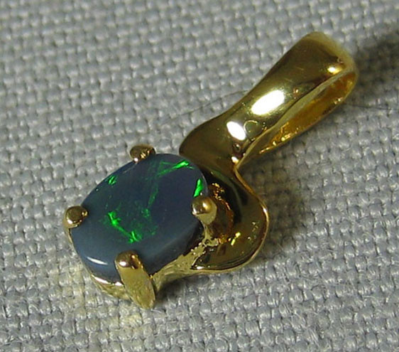 SOLID OPAL 925 SILVER GOLD PLATED PENDANT SGJP 36