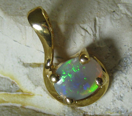 SOLID OPAL 925 SILVER GOLD PLATED PENDANT SGJP 40