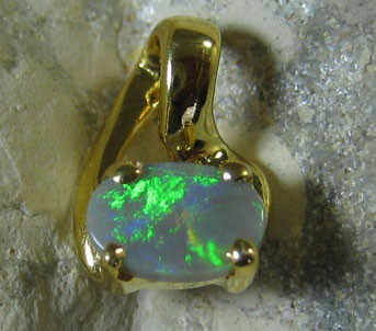 SOLID OPAL 925 SILVER GOLD PLATED PENDANT SGJP 44