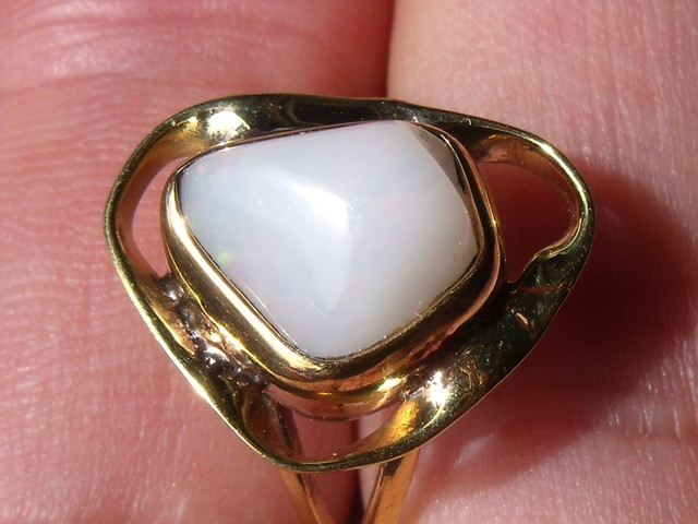 Welo Opal Gem & Gold Plated Ring SZ 7