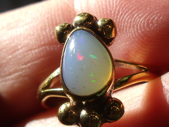 Welo Opal Gem & Gold Plated Ring SZ 7.75