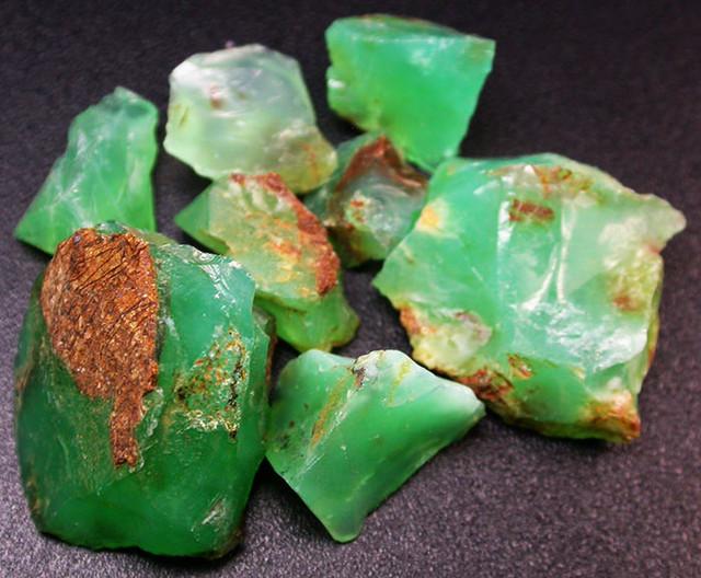 81.15 CTS A GRADE GREEN OPAL [PRASE OPAL] TANZANIA [VS5923]