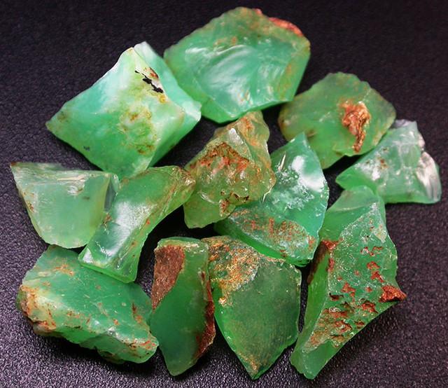 67.81 CTS A GRADE GREEN OPAL [PRASE OPAL] TANZANIA [VS5925]