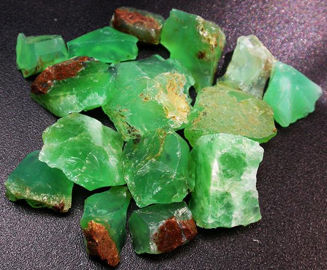 83.38 CTS A GRADE GREEN OPAL [PRASE OPAL] TANZANIA [VS5927]