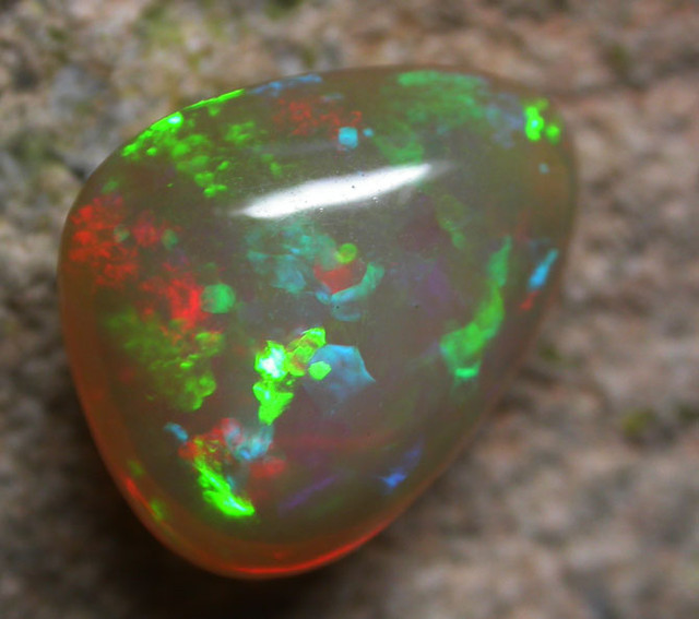 5.75 CTS BRIGHT SATURATED WELO OPAL -ETHIOPIA  [VS6014  ]
