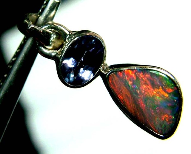 9 CTS  SOLID OPAL  SILVER PENDANT OF-121