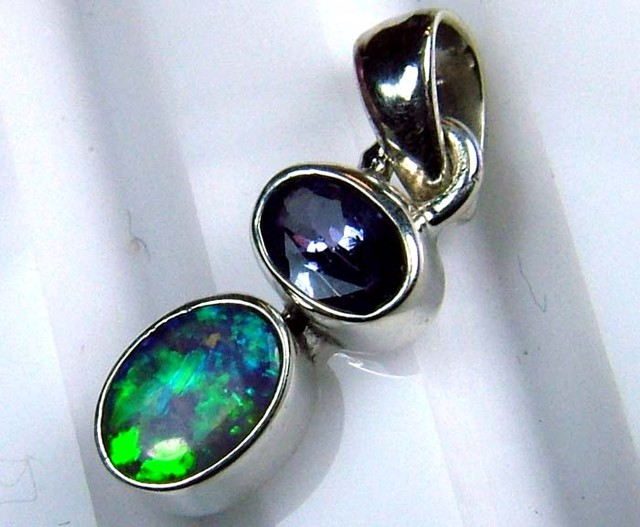 6.5 CTS  SOLID OPAL  SILVER PENDANT OF-122