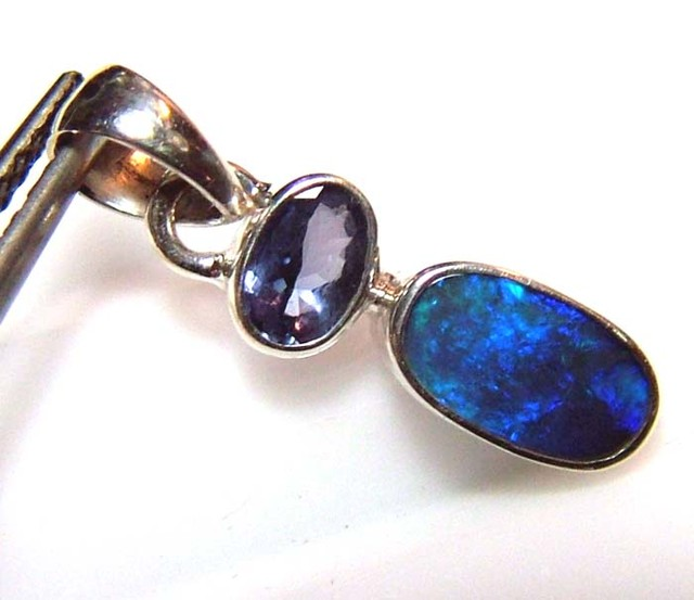 7.5 CTS SOLID OPAL  SILVER PENDANT   OF-125