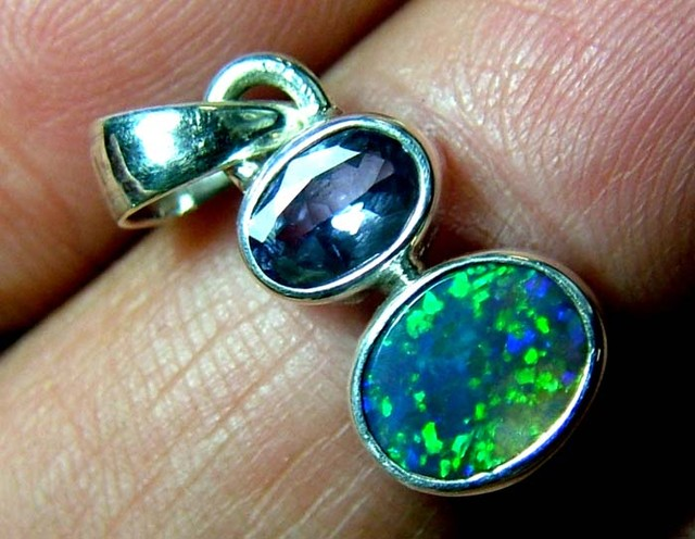 7 CTS SOLID OPAL  SILVER PENDANT   OF-128