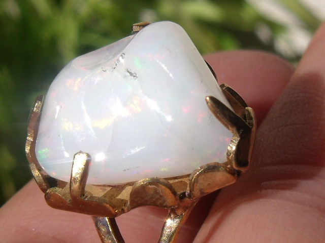 Wello Opal Gem & Gold Plated Ring SZ 9