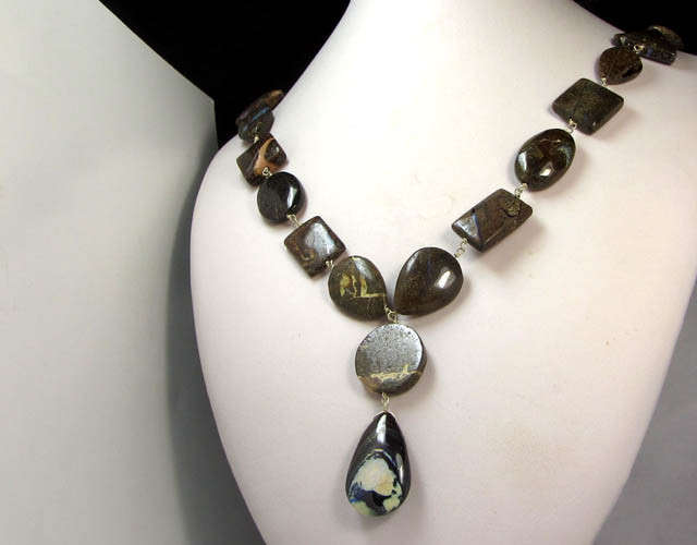 329 CTS LONG NECKLACE 55 CM  BOULDER OPALS   CTS QOM 844