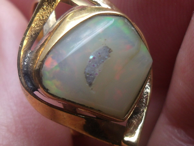 Wello Opal Gem & Gold Plated Ring SZ 7