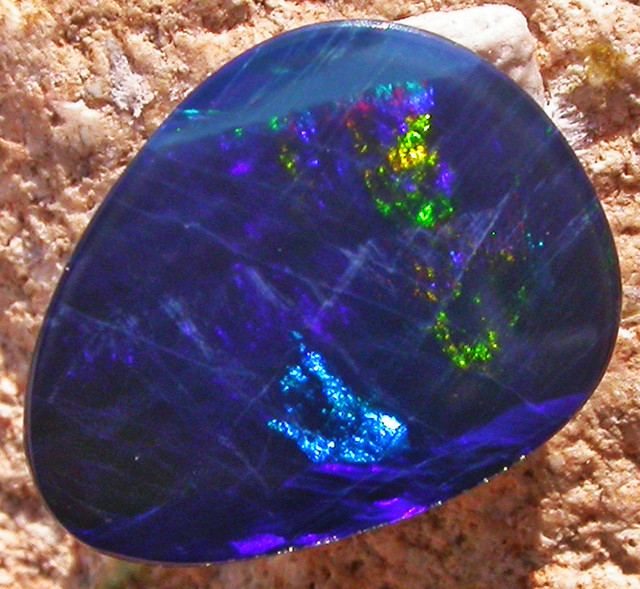 1.36 CTS  BLUE DOUBLET WITH NEON GREEN FLASH [MS4971]