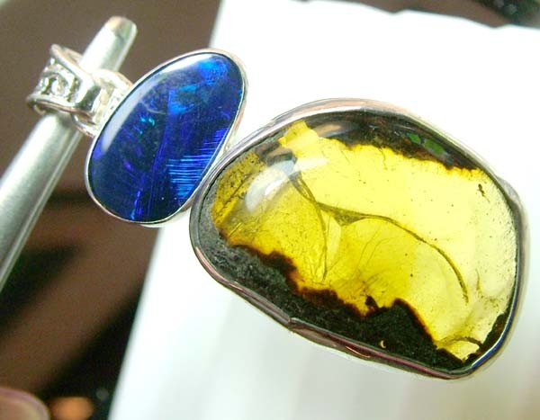 33 CTS AMBER-OPAL DOUBLET  SILVER PENDANT  0F-143