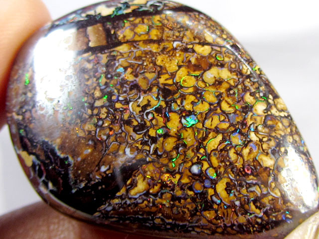 101CTS FLASH SPECKLES KORIOT OPAL  BEAD   MMM 51