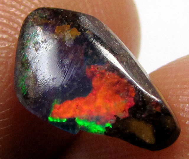 1.95 CTS BRIGHT FLASY GEM  BOULDER   OPAL    PL47