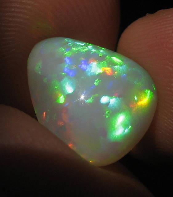 6.44CT EXTREMELY BRIGHT WELO OPAL FULL SATURATION OF FIRE!