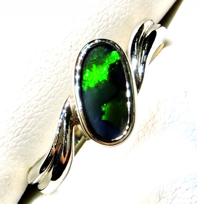 BLACK OPAL RING 18K WHITE GOLD SIZE 6.5 SCO795