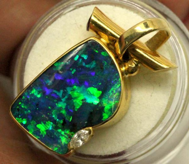 (TBO) OPAL PENDANT 18K SOLID RRP28000.00