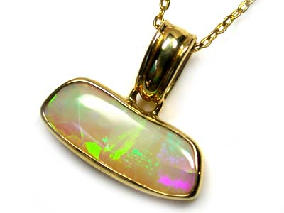 BLACK CRYSTAL OPAL GREEN FLASH WITH INCLUSION 18K GOLD PENDANT SCO1132