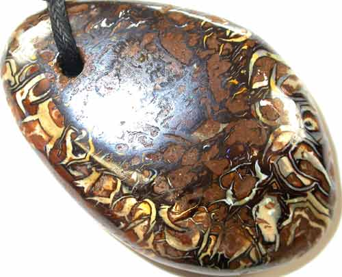 VIDEO HUGE KOROIT OPAL BEADS INTOXICATING PATTERNS AND COLOU