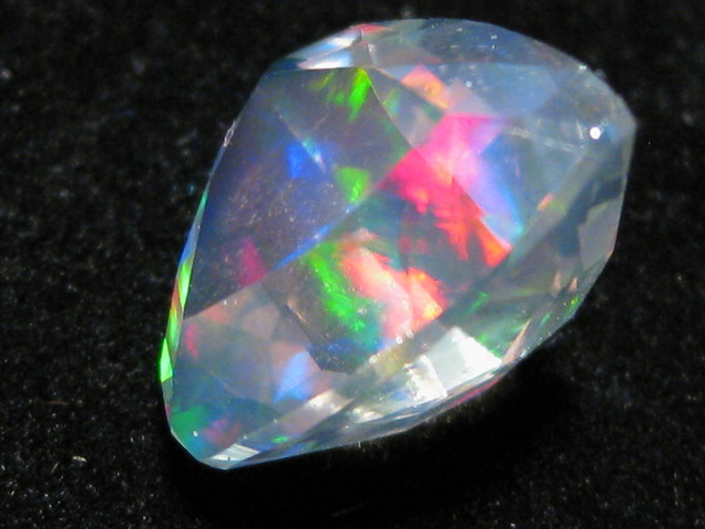 OpalWeb - Gemmy Faceted Mexican Opal - 2.55Cts.