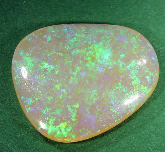12.60ct OPAL FROM LR